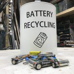 Edu Sentis – Reciclando una lata de cafe – 00002021 One Life Live it00006