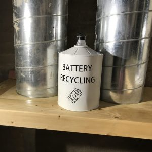 Edu Sentis – Reciclando una lata de cafe – 00002021 One Life Live it00008